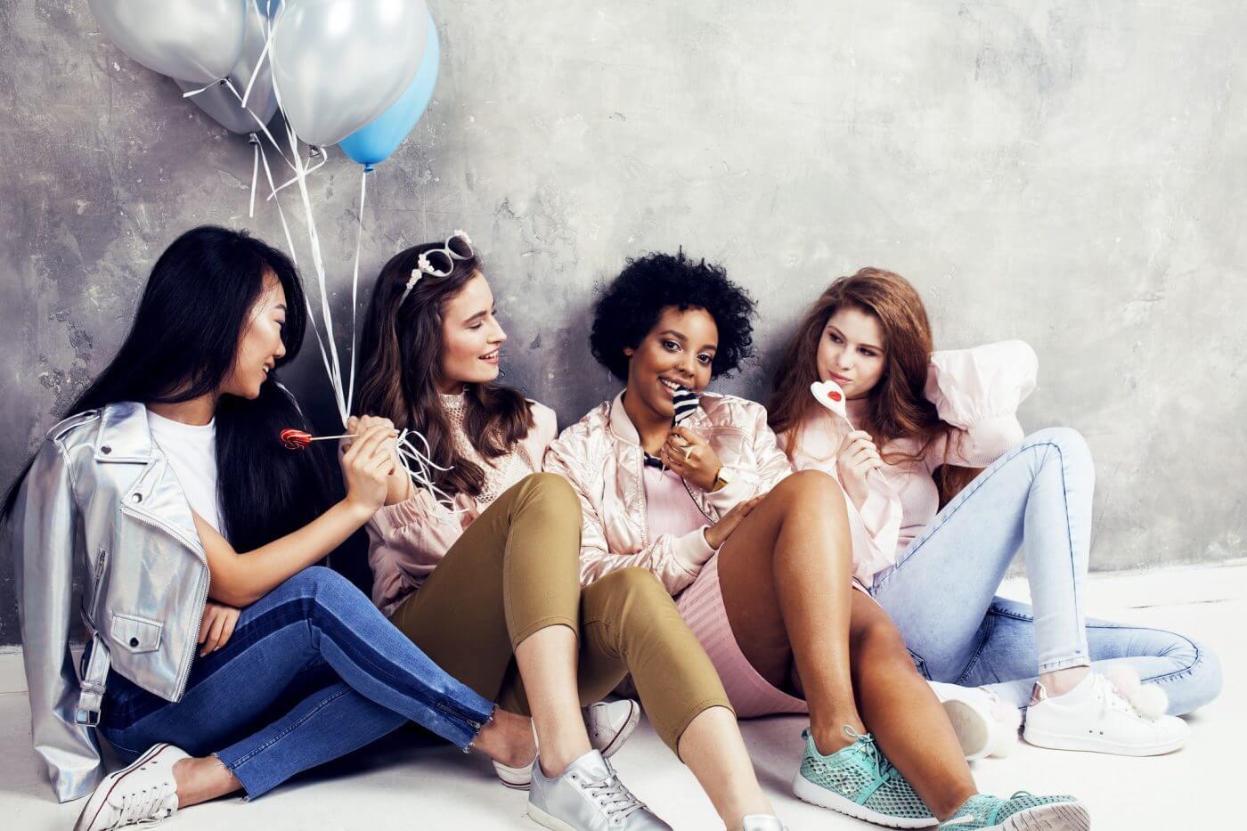 20代のパーティードレス