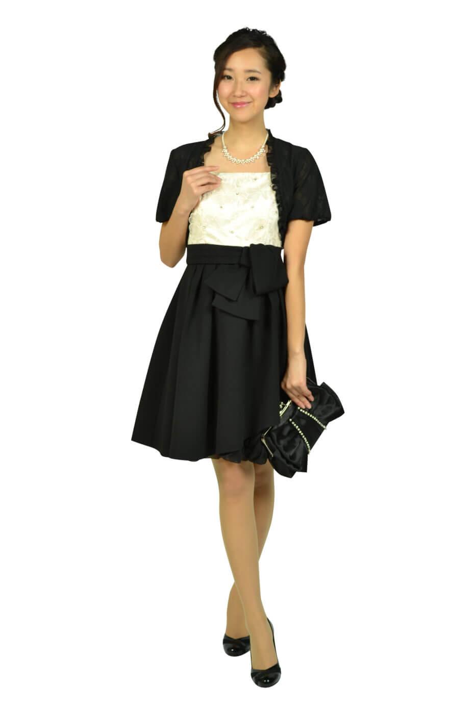 アプワイザー・リッシェ (Apuweiser-riche)フラワー刺繍オフホワイト×ブラックドレス