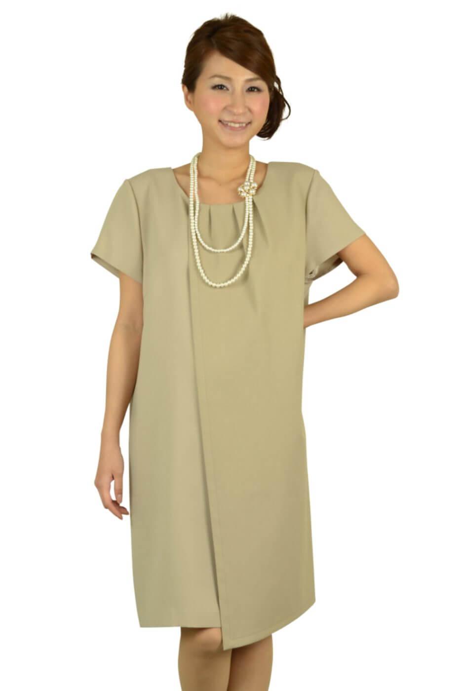インディヴィ (INDIVI)ベージュシンプルゆったりドレス