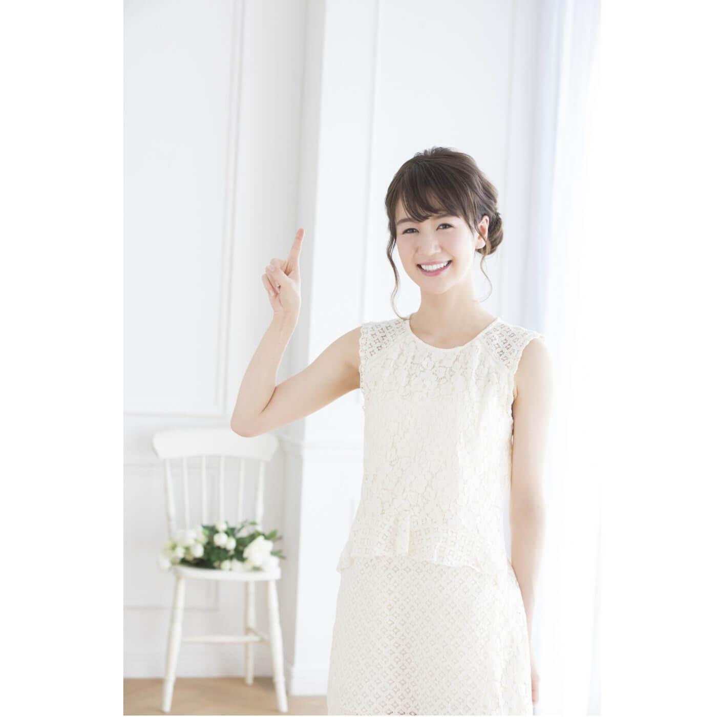 ccce898c1ca39 真っ白・真っ黒コーデはNG. 花嫁の特権「純白のウェディングドレス」。