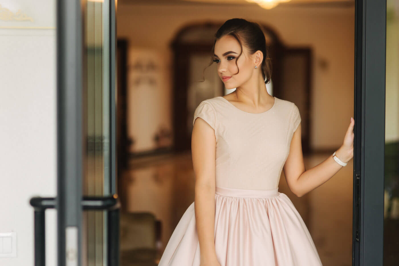 中学生・高校生の結婚式ドレスには「レンタル」がおすすめ