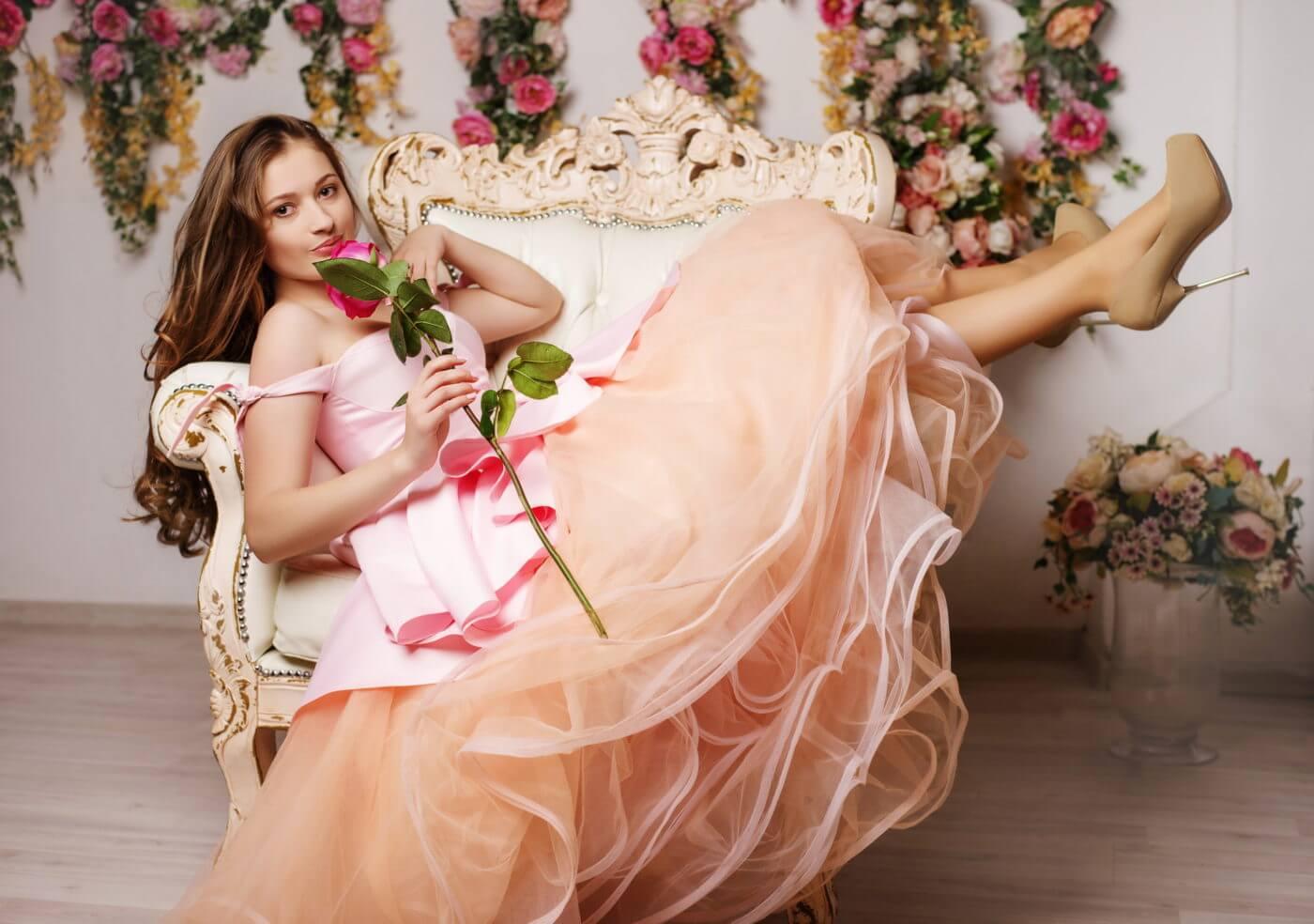 普段着ないロングドレスは レンタルをするのが1番